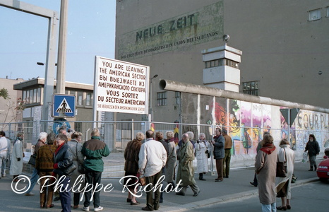 Berlin Ph rochot chute du mur 1990 Check point Charlie